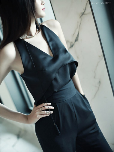 B1773 Forward Backless Slip Blouse (Same-day delivery)
