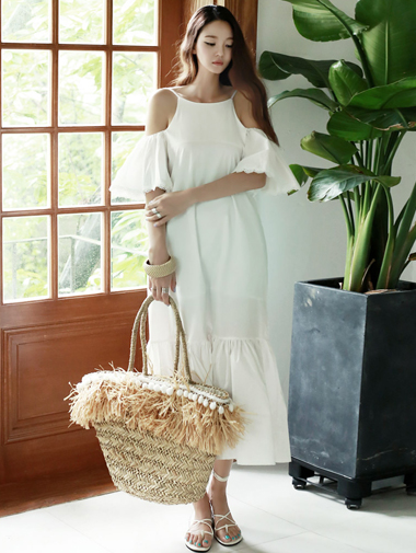 D3337 Flow Frill Off shoulder Dress