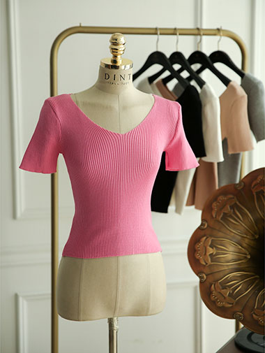 E1742 Corrugated Deep V-neck Top (51reorder)