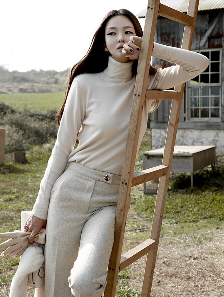 E-4057 Cashmere Basic Turtle Knit Top (210th REORDER)