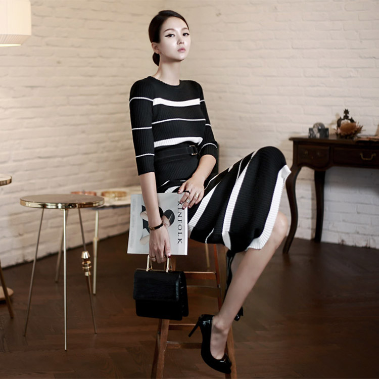 D3142 Stripe Corrugated Two Piece (108th REORDER)