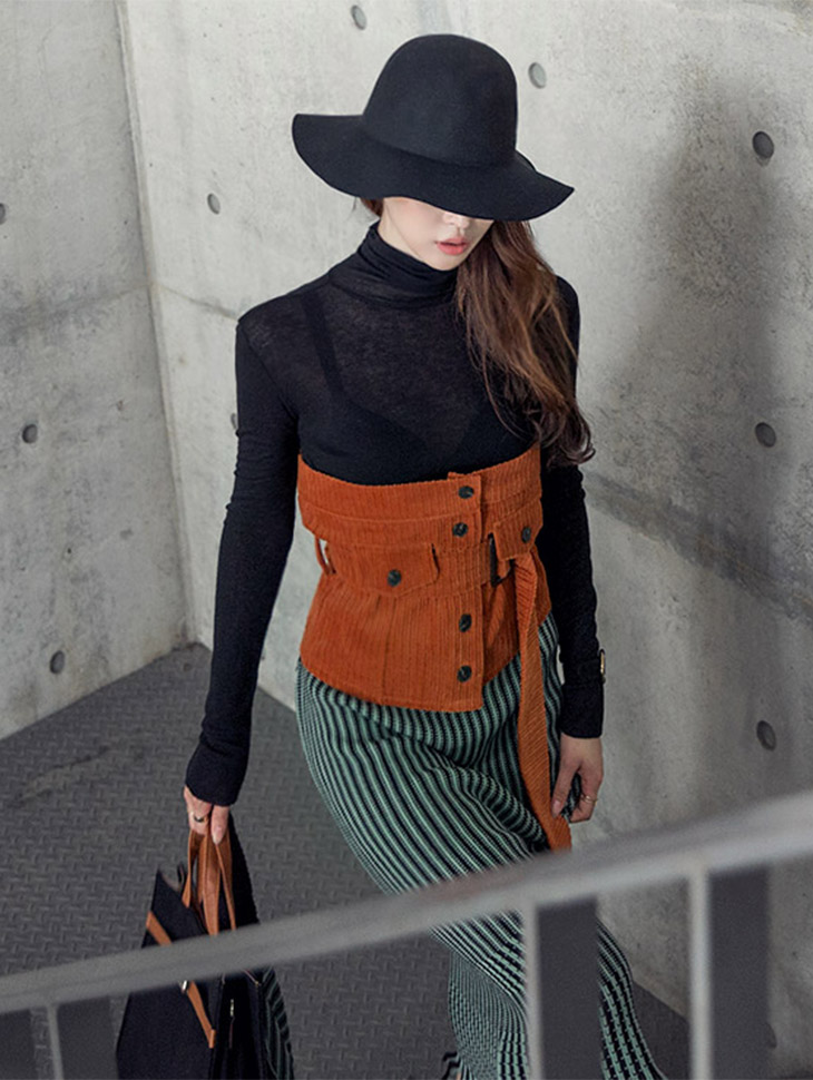 E1795 base Line turtleneck Top (90th REORDER)