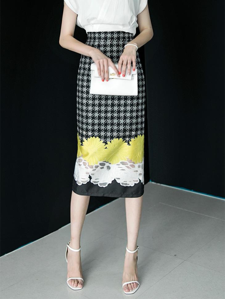 SK9010 Flower line Skirt (3 reorder)