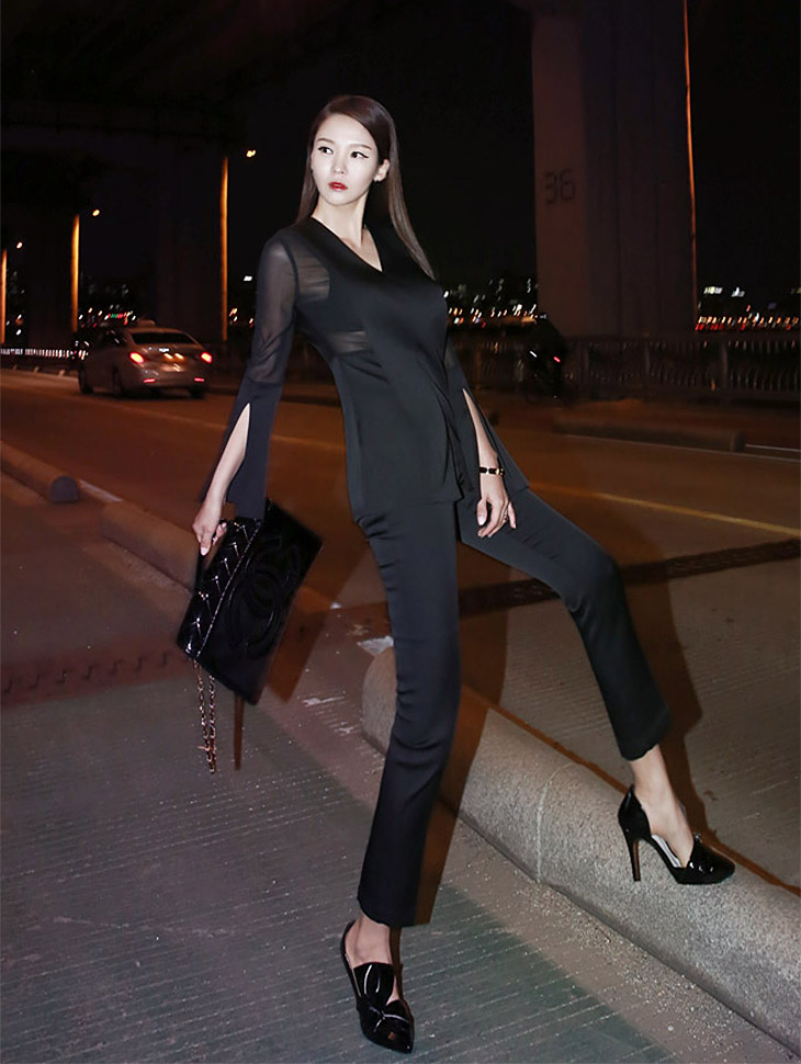 B1709 See-through look color combination Slit Blouse