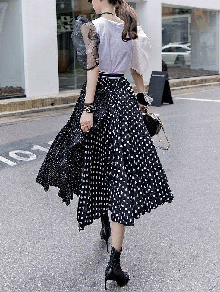 SK1730 Unbalance Dot Pleats line Skirt (40reorder)