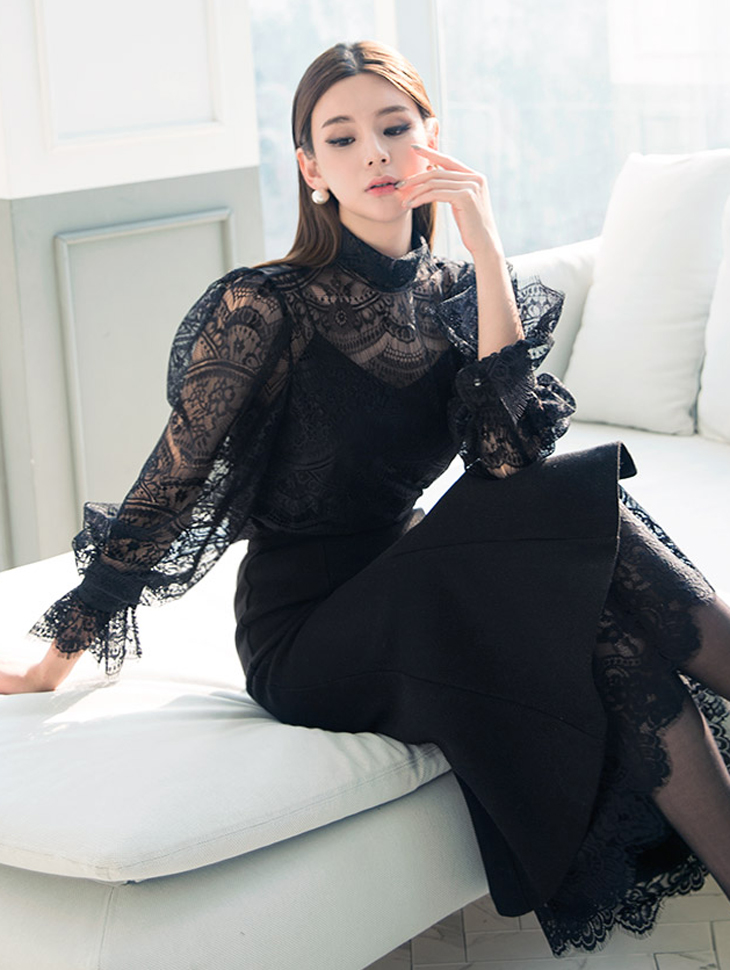 B2358 Antique Lace See-through look Blouse (18reorder)