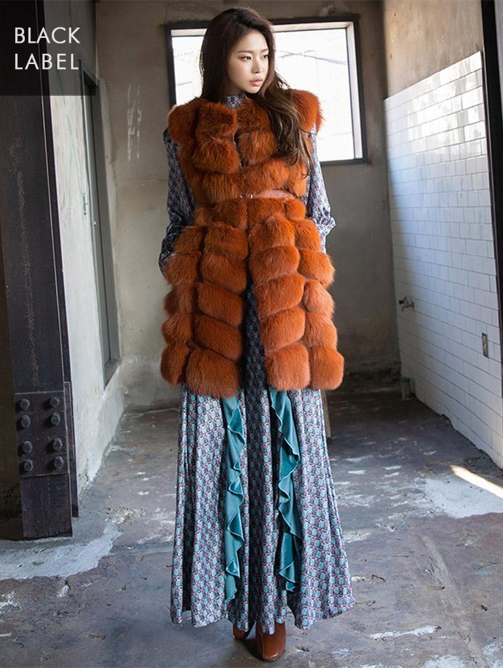 J-4782 Sophie Plenty Fox Fur Vest (Beltset) * Black Label *