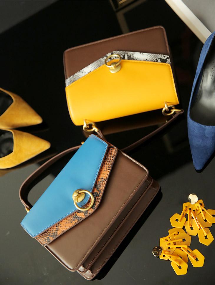 A-988 Snake Color Leather Bag