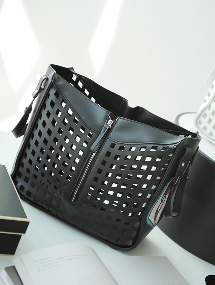 A-991 Square Box Shoulder Bag (Pouchset)