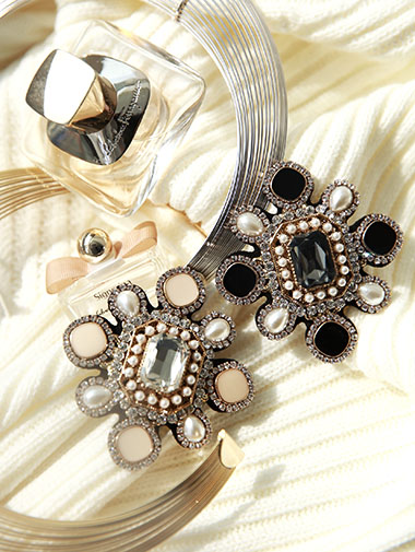 AB-141 Luxury pearl brooch