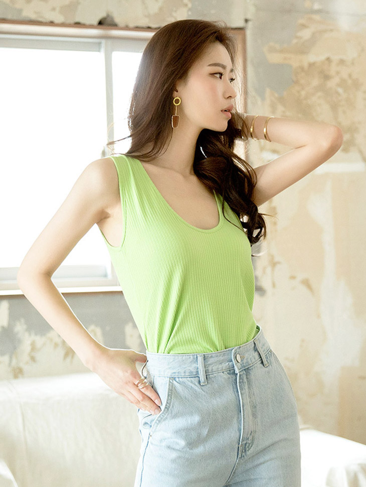 E1966 royal easy sleeveless top (front and back)