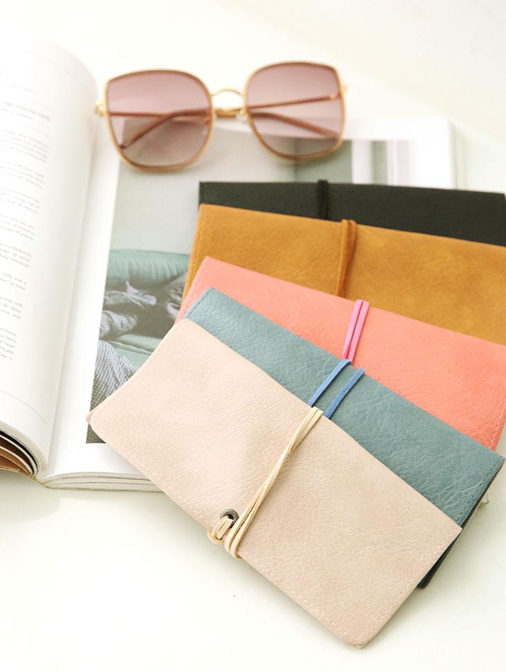 EC-153 Leather String Sunglasses box