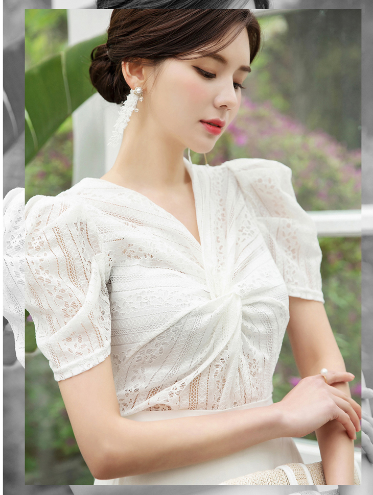 B2427 twist Lace Blouse (18reorder)