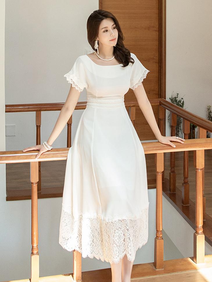 D3817 Laine Lace Boat neck Dress