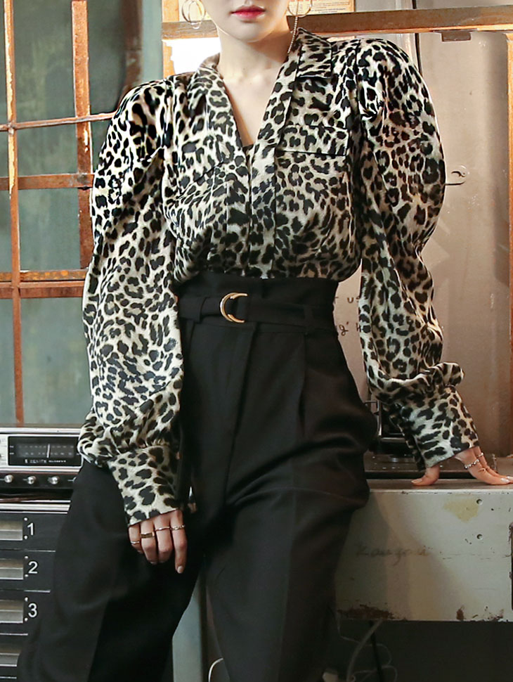 B9018 Leopard Volume Blouse