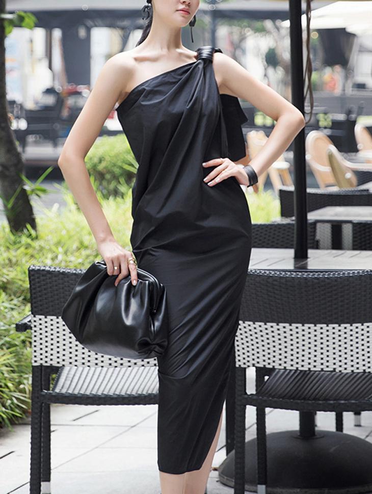D3881 Gadis one Shoulder point Long Dress (Belt set)
