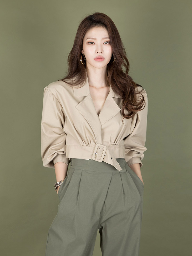J707 High Short Belt Puff Jacket