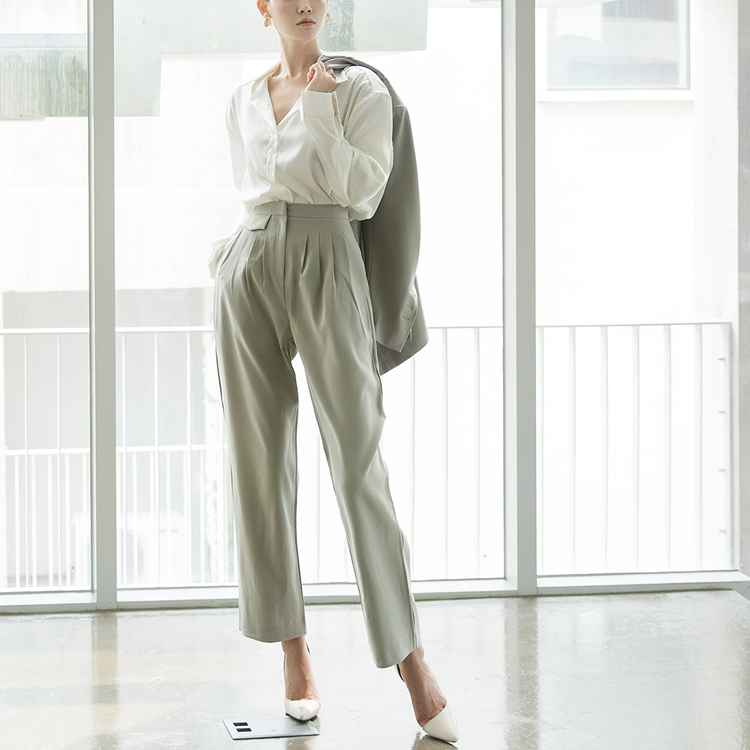 P2140 High Class glossy Pants