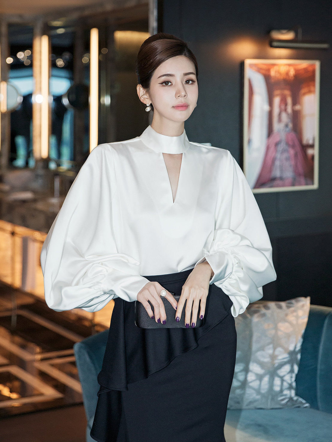 B9029 Grain High neck Slit Blouse