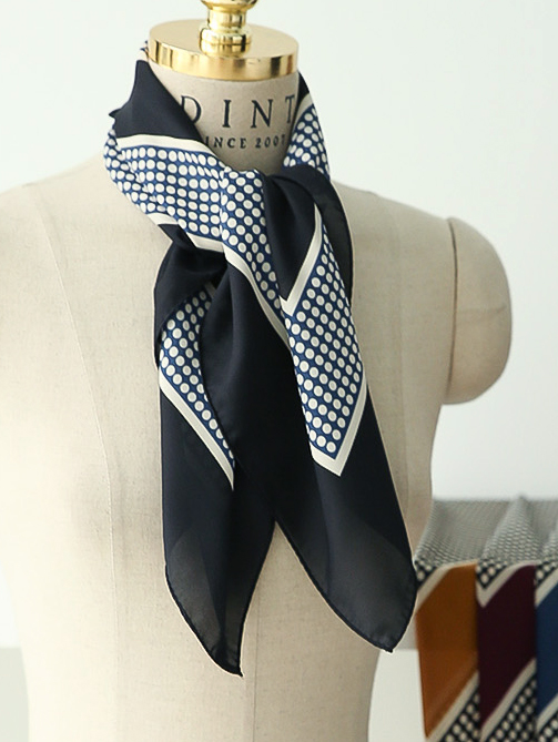 AS-1286 Bent Square Dot Scarf