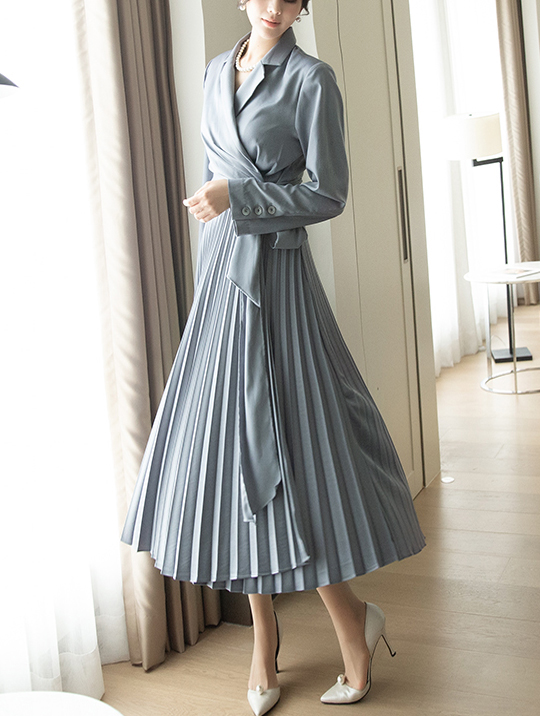 D3918 Surplice pleats silky warp Dress