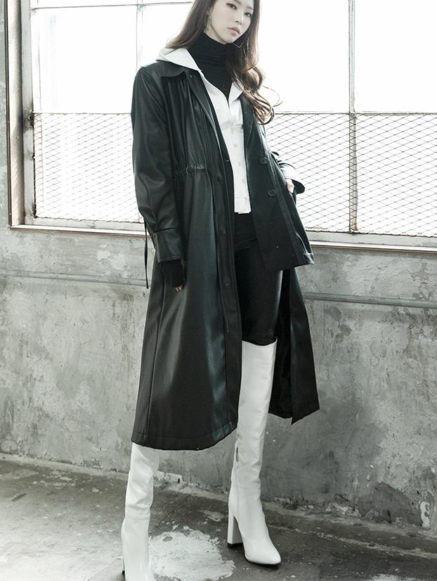 J806 Gamba White Poin Leather Long Coat