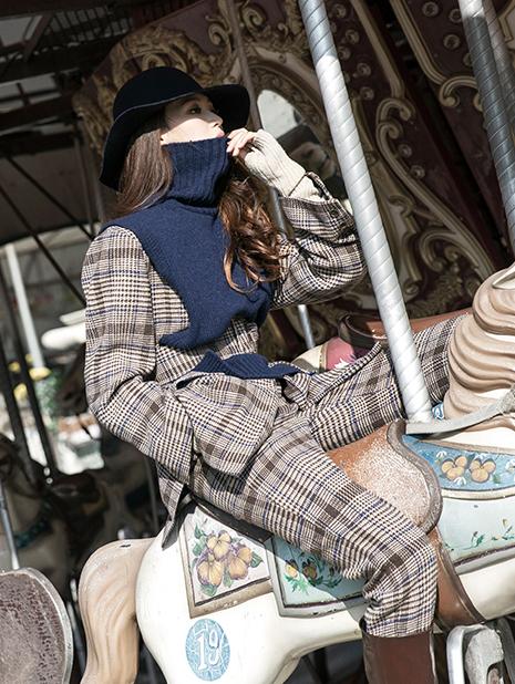 E2096 Poble wool vest Top (Belt set)
