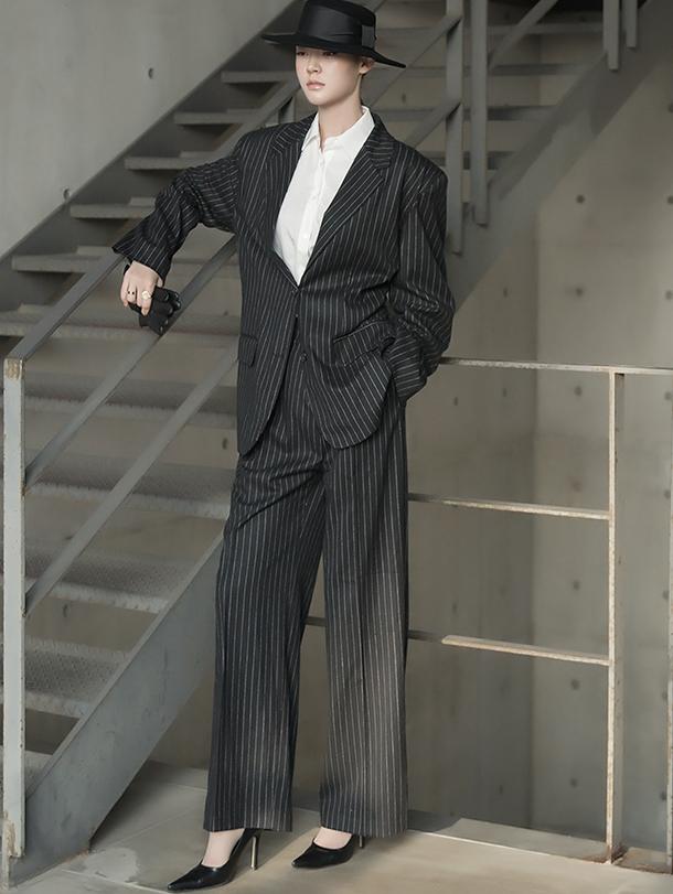 TP1015 Raker Stripe Over Suit