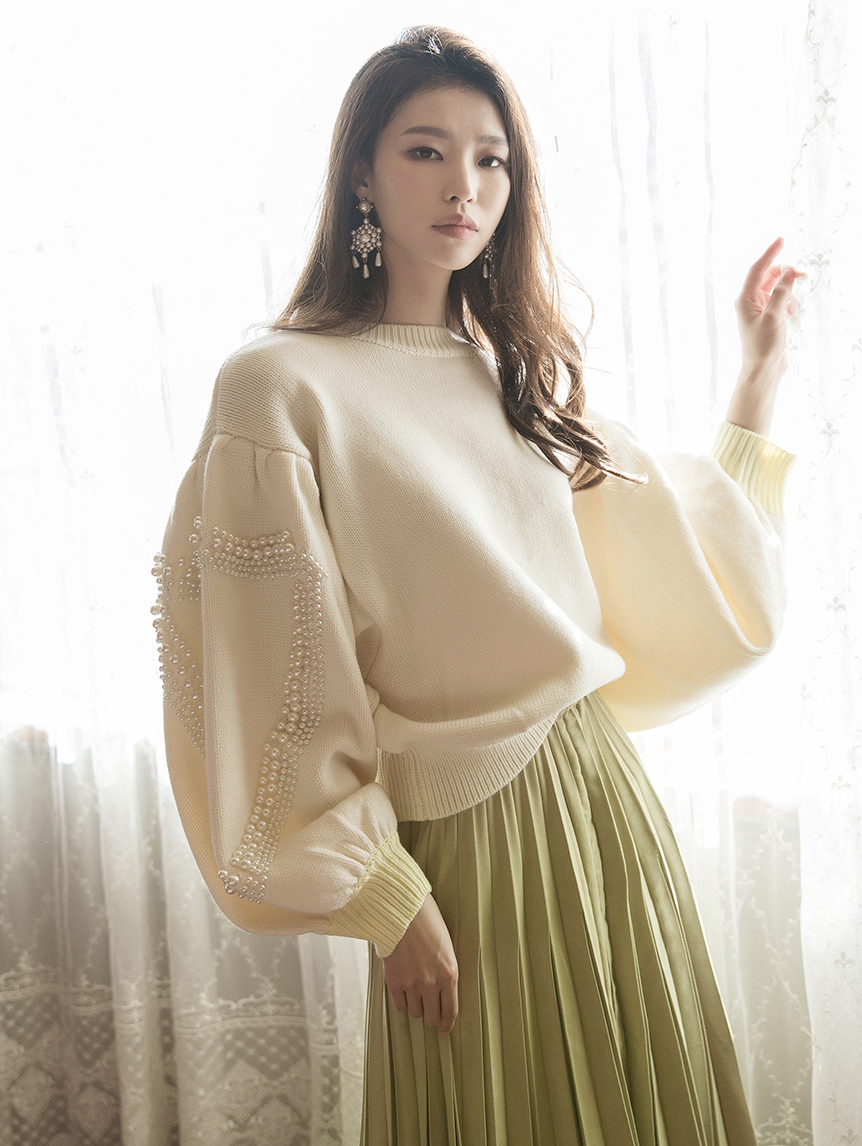 E2108 Shade Sleeve Pearl point Knit Top