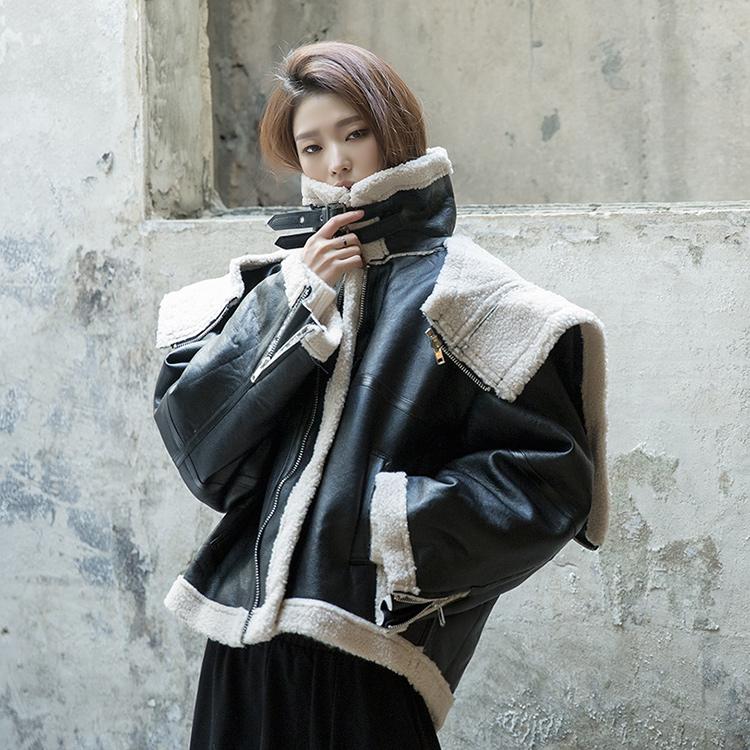 J844 Ainji Hoodie two way leather jacket
