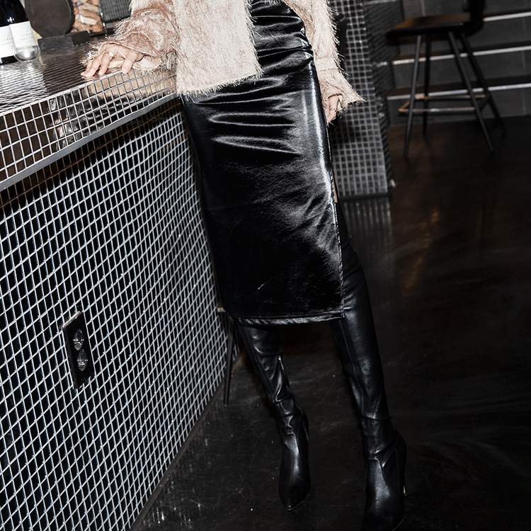 SK1998 Beauty Side Slit Leather Skirt