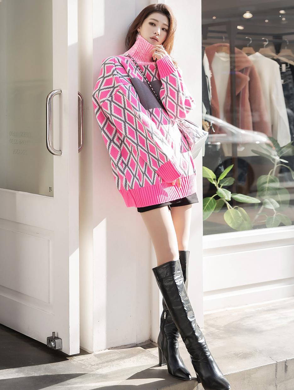 E2132 diamond pattern overfit Arrangement of colors Knit Top * Can be worn as a dress *