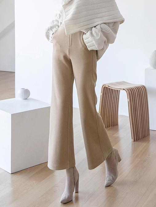 P2201 stabby comfortable corduroy pants