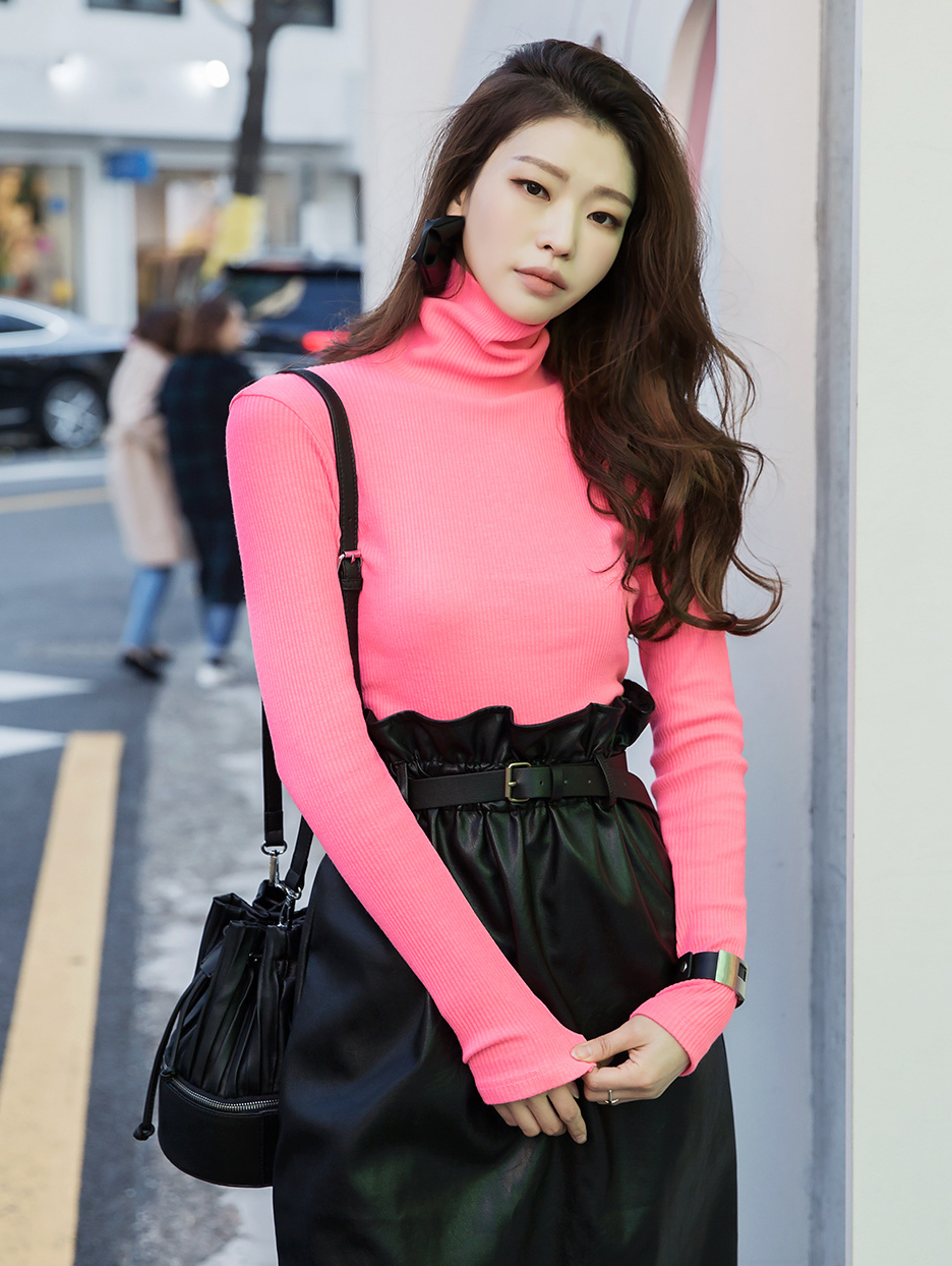 E2129 Jaysbin Neon turtleneck Top (20th REORDER)