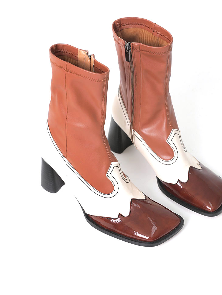 AR-2428 Cowra Square Leather Point Ankle Boots