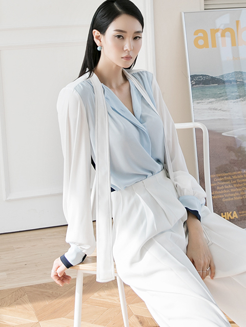 B2550 two town Arrangement of colors Scarf blouse