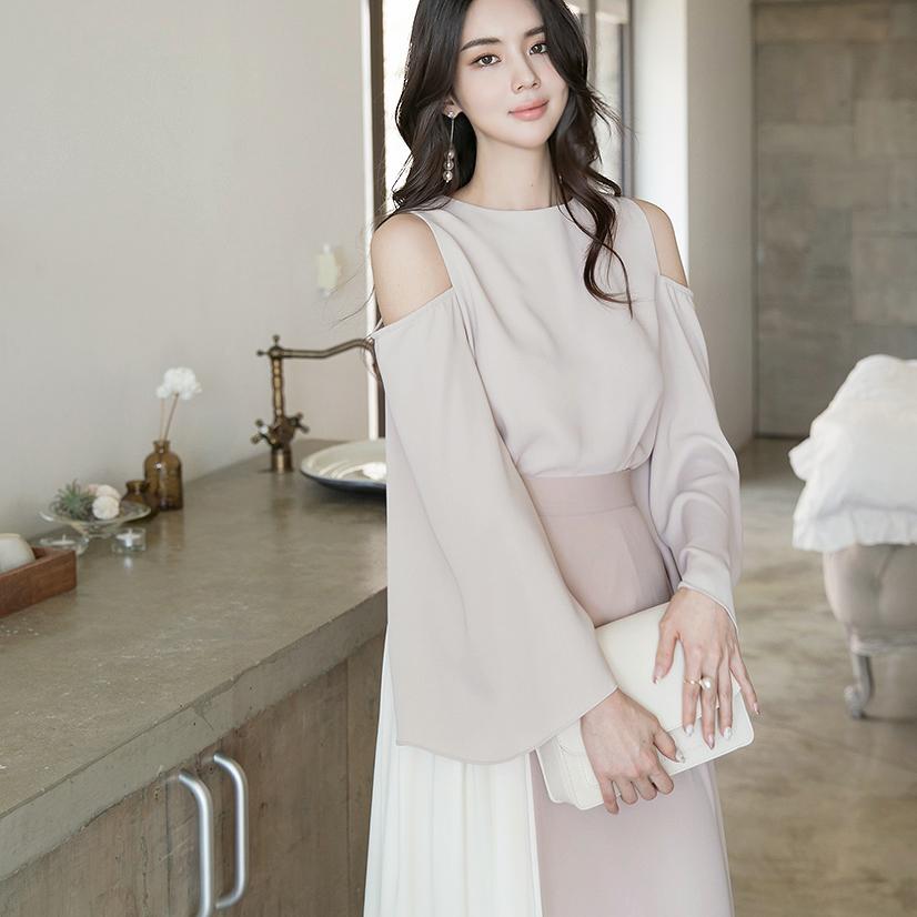 B2566 shoulder Vent blouse