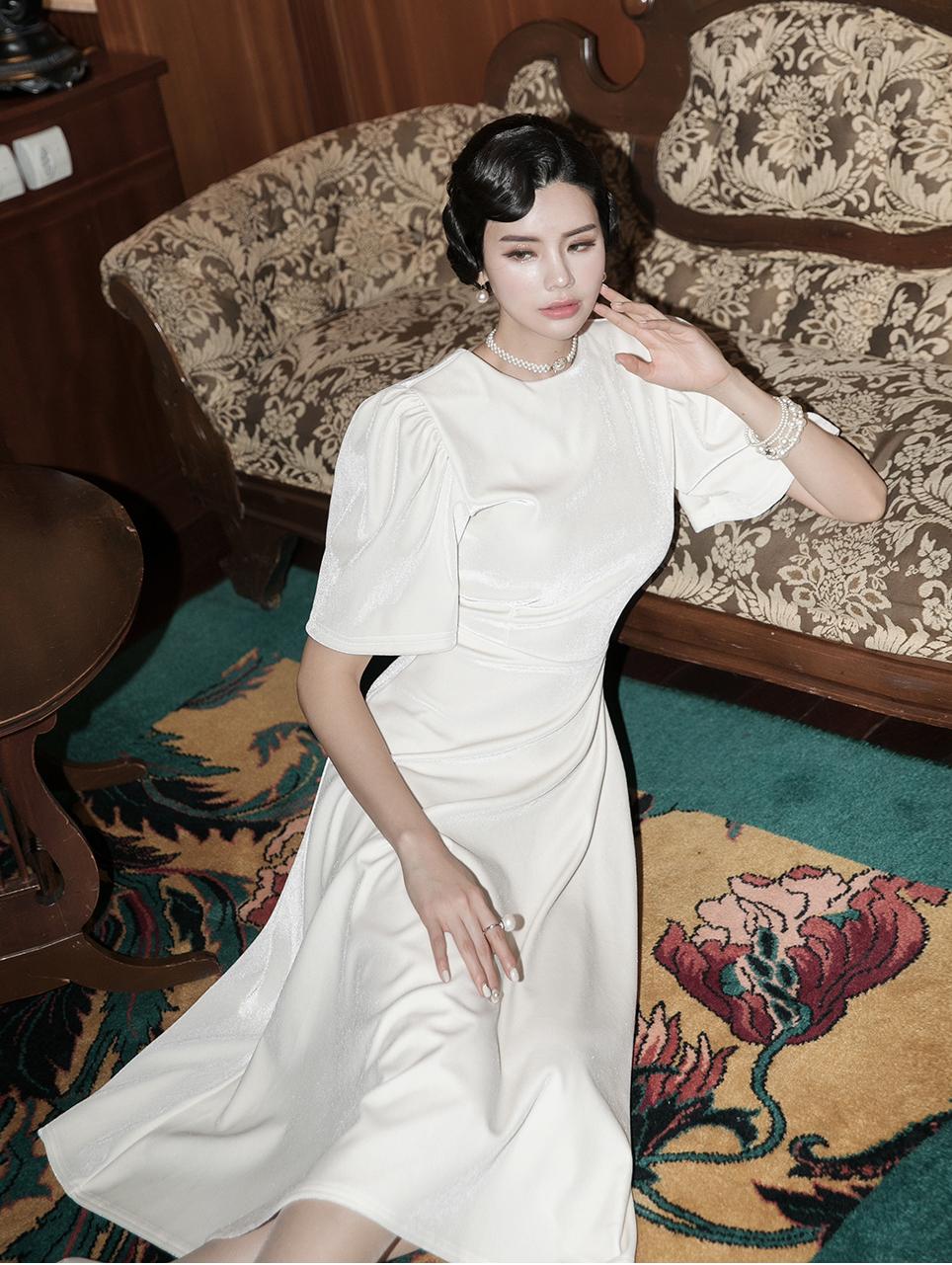 D3952 Dyna pull Dress