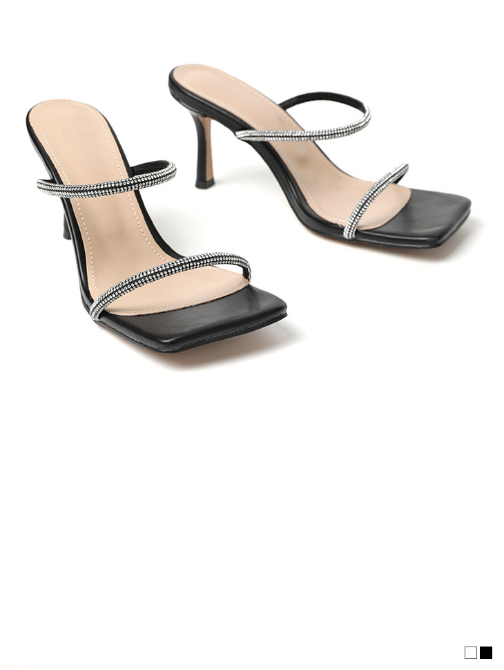 AR-2477 Cubic Strap square High heels
