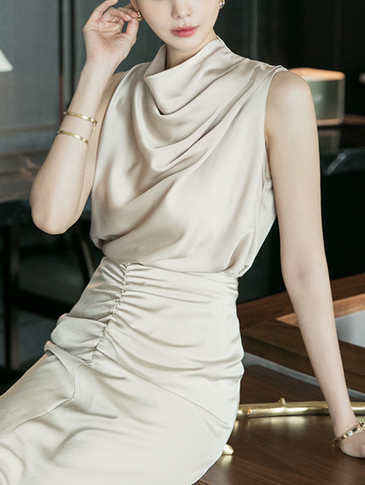 B2596 draping Sleeveless blouse