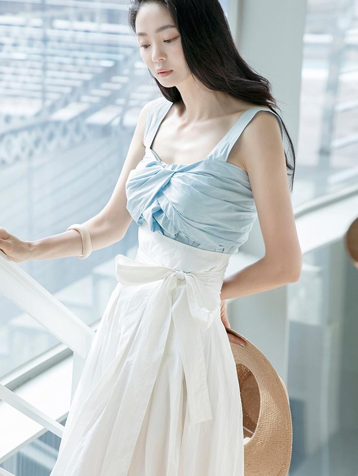 E2273 Sleeveless Shirring Top