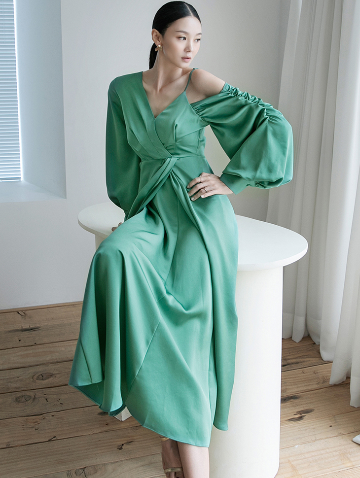D9144 Satin Unbalance Long Dress