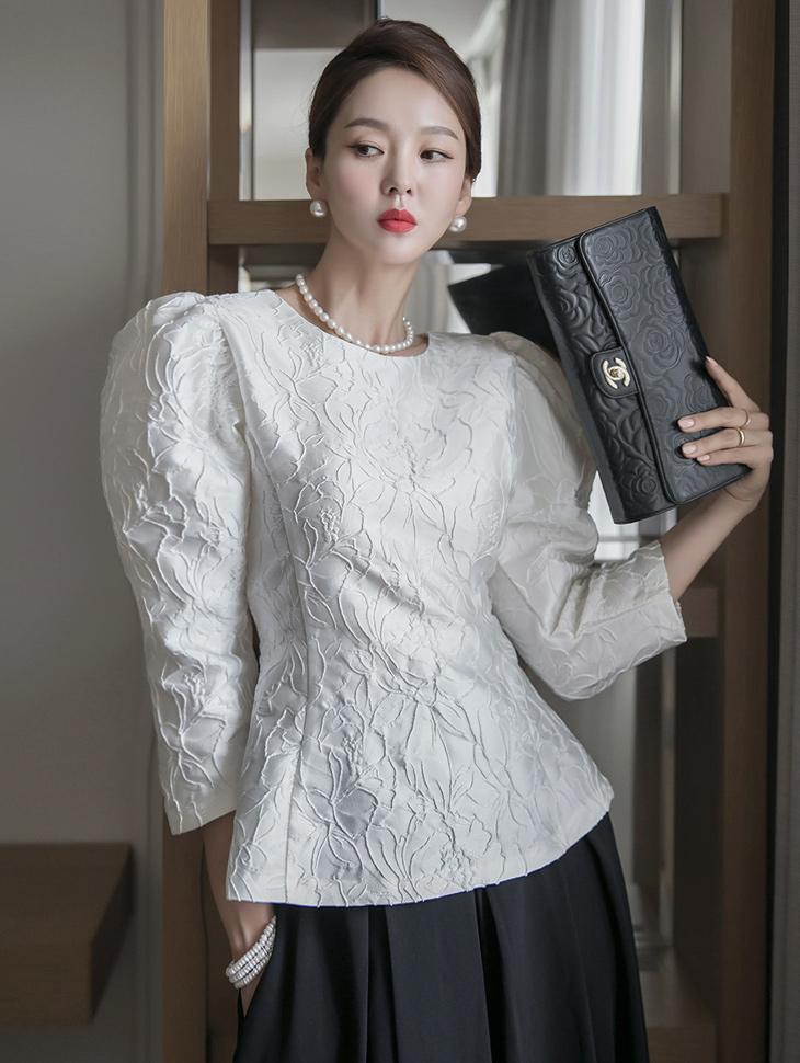 B2620  라일 Flower Jacquard Bell line blouse(4th REORDER)